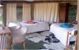 Tente safari intérieur au glamping Tam Tam Lodge à Salvezines Languedoc-Roussillon
