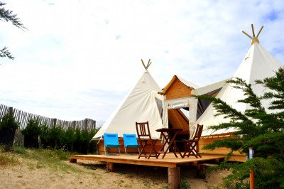Double tipi 6 personnes au glamping camping les moulins la gu rini re pays - Camping noirmoutier tipi ...