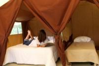 Intérieur trappeur 4 personnes au glamping Camping Les Moulins à La Guérinière Pays de la Loire