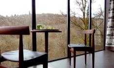 Cabane cedre gris salon au glamping Cabanes de Salagnac à Meyrignac l'Eglise en Limousin