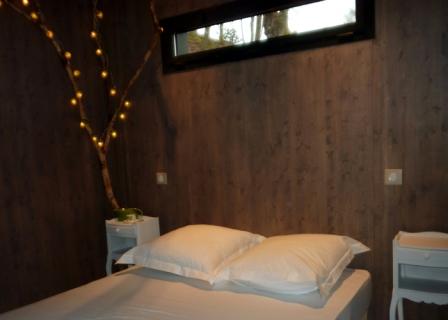 Cabane chambre 1 au glamping Cabanes de Salagnac à Meyrignac l'Eglise en Limousin