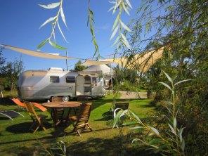 Airstream Overlander au glamping Belrepayre Airstream & Retro trailer Park à Manses en Midi-Pyrénées