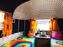 Airstream Starship coin chambre au glamping Belrepayre Airstream & Retro trailer Park à Manses en Midi-Pyrénées