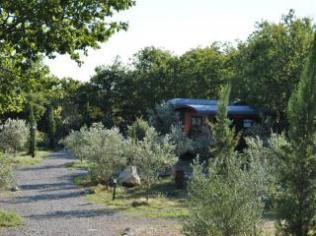 Roulotte au glamping roulottes et cabanes de Saint-Cerice à Vogüé en Ardèche