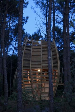 Cabane de nuit au glamping Cap'Cabane à Captieux en Gironde