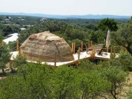 La Paillote au glamping Le Campement Tamana à Bidon en Ardèche