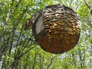 Lov'nid cabane dans les arbres au glamping Dihan à Ploemel en Bretagne