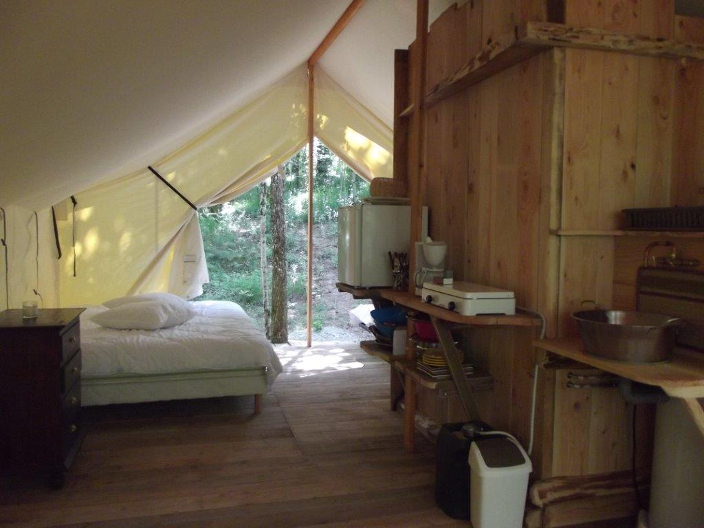 coin chambre tente lodge | glamping en france
