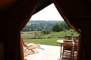 Tente safari vue au glamping Domaine d'Esperbasque à Salies de Béarn en Aquitaine