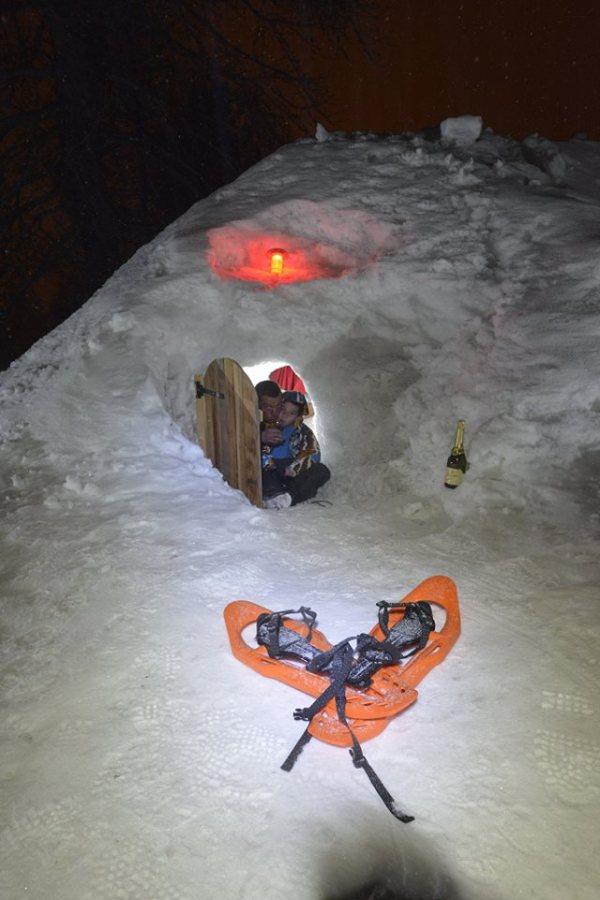 Entrée igloo au glamping Rêves d'Igloos à Arvieux en Provence-Alpes-Côte-d'Azur