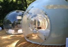 Salon bulle La Grappe au glamping Les Cabanes de la Romaningue à Pompignac en Aquitaine