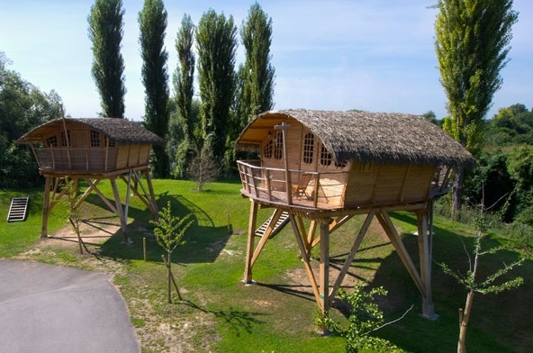 cabanes sur pilotis glamping en france. Black Bedroom Furniture Sets. Home Design Ideas
