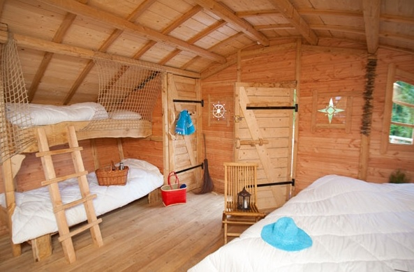 int rieur cabane glamping en france. Black Bedroom Furniture Sets. Home Design Ideas