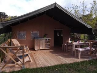 Tente safari au glamping Ty Nadan à Locunolé en Bretagne