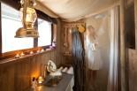 Douche privée au glamping Un lit au Pré au Domaine du Cloître Saint-Christophe à Saint-Mihiel en Lorraine