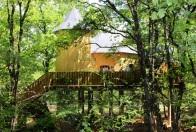 Manoir dans les arbres au glamping Défi'Planet de Dienné à Dienné en Poitou-Charentes