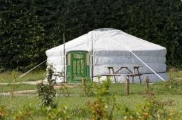 Yourte mongole au glamping DéfiPlanet' à Dienné en Poitou-Charentes