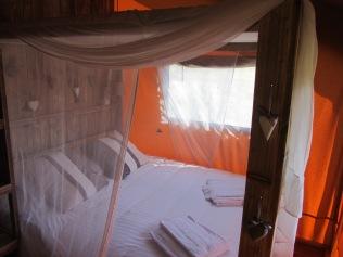 Chambre double tente lodge au glamping Le Clos de Saires à Saires en Poitou-Charentes